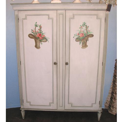 ancienne-armoire-en-bois-peint
