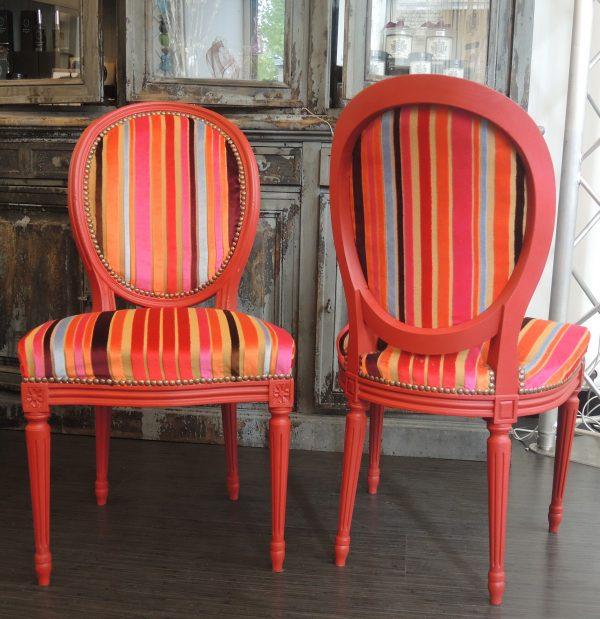 ancienne-paire-de-chaises-medaillon-renovees