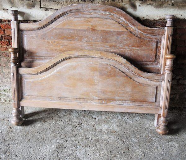 cadre-de-lit-ancien-en-chene-massif-140-cm