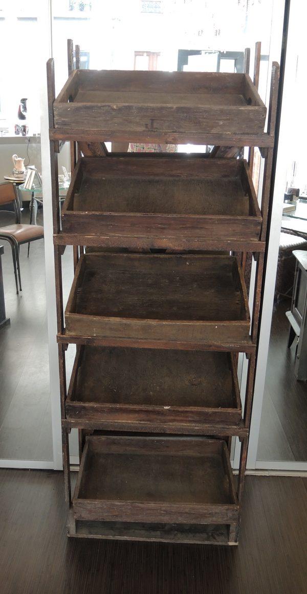 ancienne-etagere-de-clayettes-en-bois