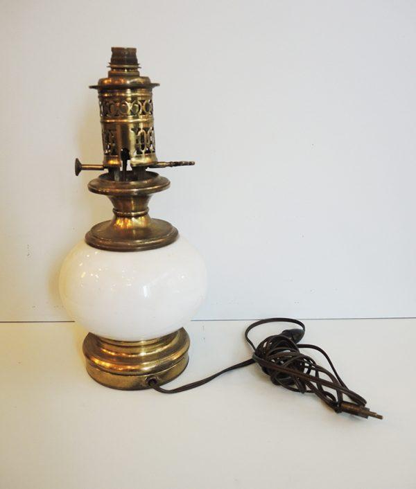 ancien-pied-de-lampe-a-huile-electrifie