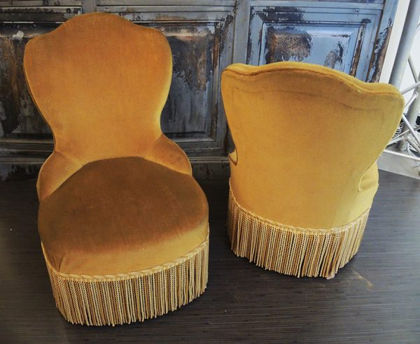 paire-de-chauffeuses-jaune-vintage