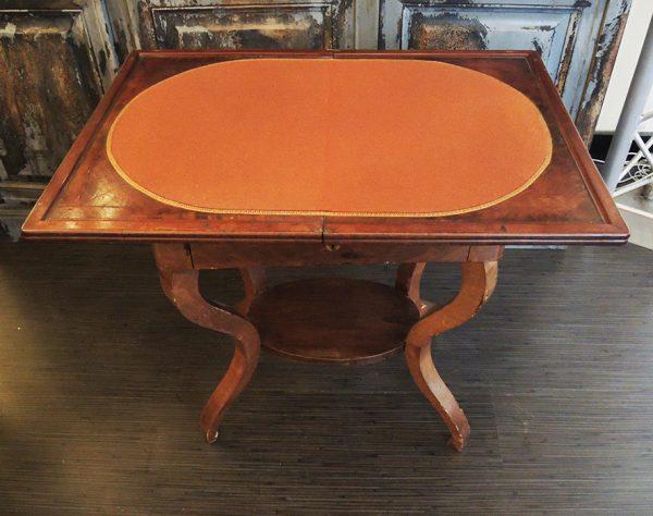 ancienne-table-de-jeu