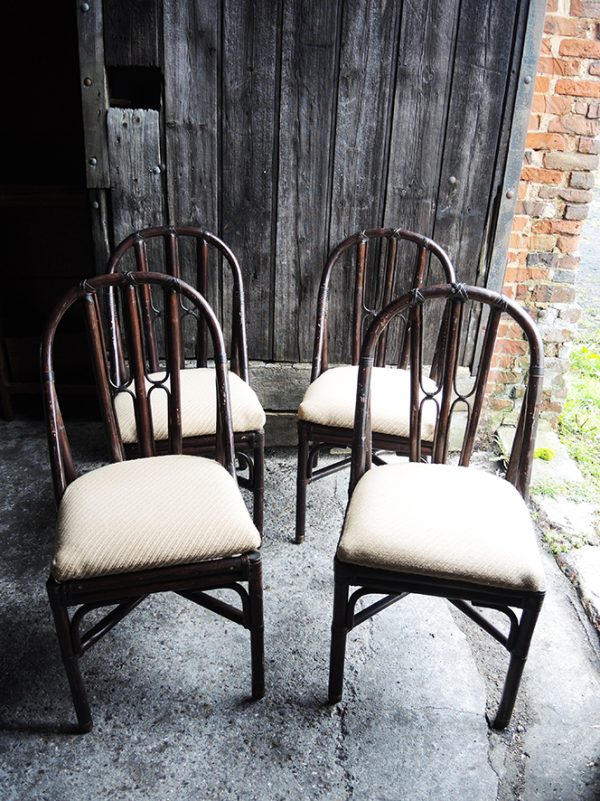 4-chaises-anciennes-en-bambou-rotin