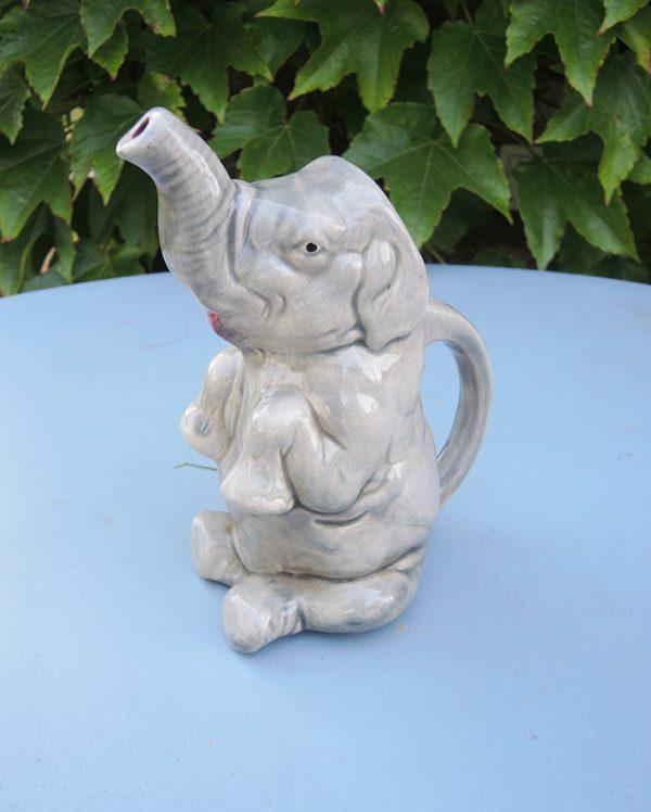 ancien-pichet-barbotine-elephant