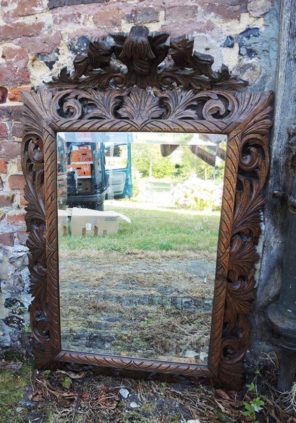grand-miroir-ancien-en-bois-sculpte-lions