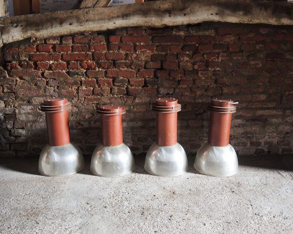 4-suspensions-industrielles-anciennes-en-acier-polycarbonate
