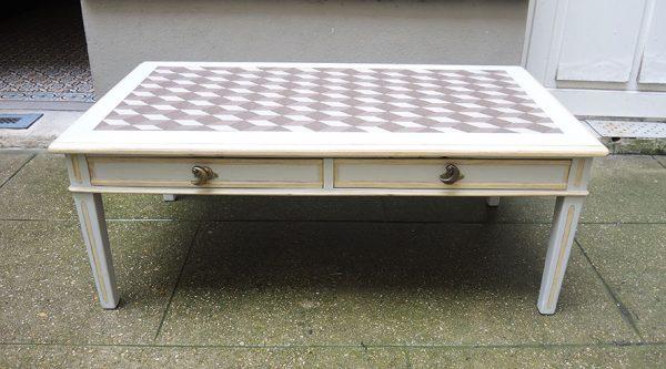 ancienne-table-basse-repeinte-gris-clair