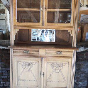 Buffet Normand En Bois Clair Sculpté Vintage