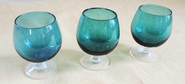 3-anciens-verres-a-cognac-bleu-turquoise
