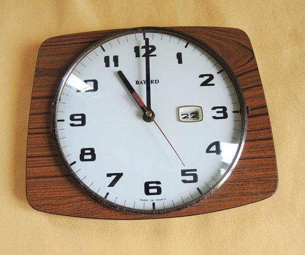 ancienne-horloge-murale-avec-jour-bayard-annees-50