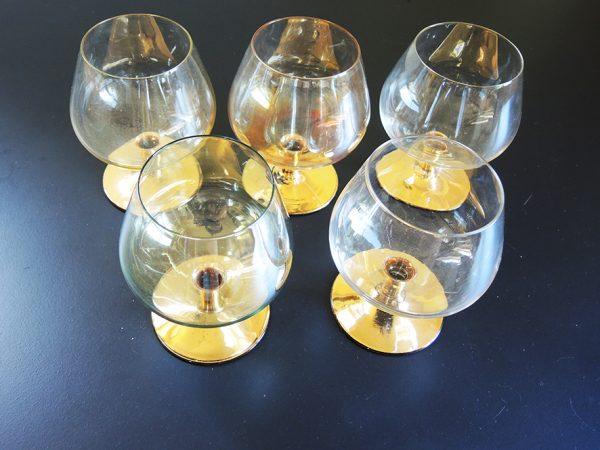 5-grands-verres-a-cognac-anciens-au-pied-dore