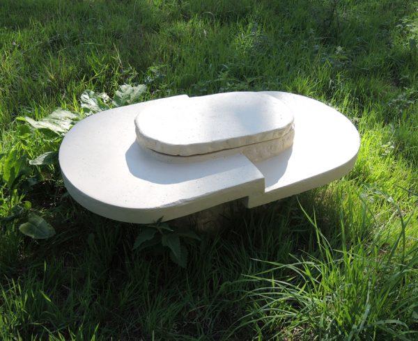 ancienne-table-basse-en-pierre-reconstituee