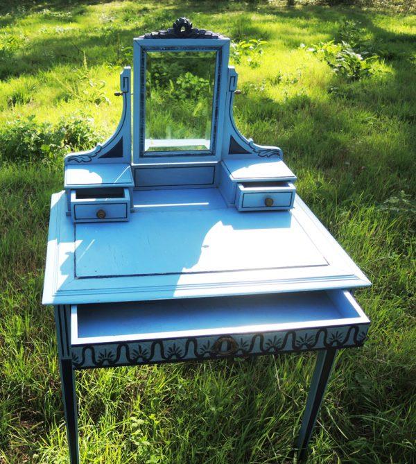 ancienne-coiffeuse-table-de-toilette-en-bois