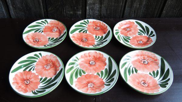 6-anciennes-assiettes-en-ceramique-fabriquee-main