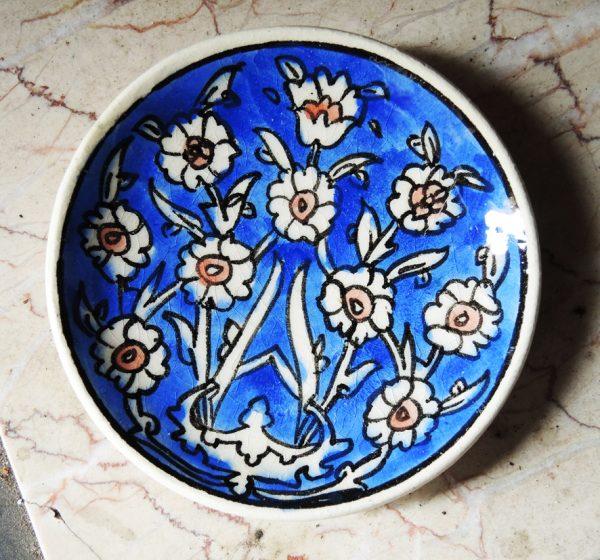 ancienne-mini-assiette-en-ceramique-bleu-signee