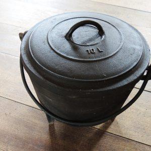 Marmite Vintage En Fonte Noire LE CAPUCIN