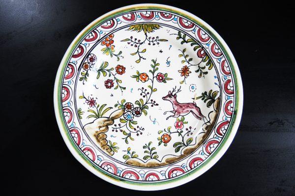 ancienne-assiette-peinte-a-la-main-signee
