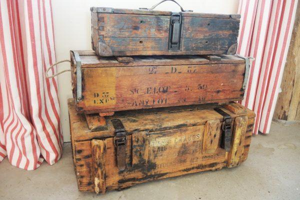3-anciennes-boites-a-munitions-en-bois