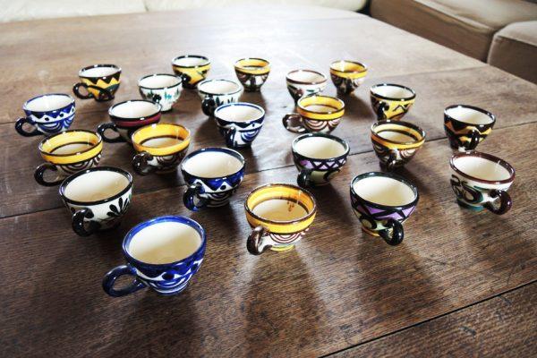mini-tasses-peintes-mains