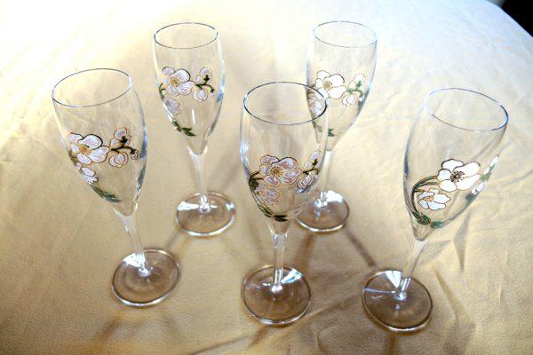 5-anciennes-flutes-a-champagne-perrier-jouet