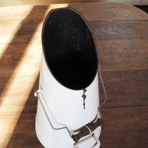 Seau À Charbon Vintage En Email Blanc