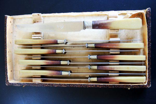 9-anciens-couteaux-de-table-style-art-deco