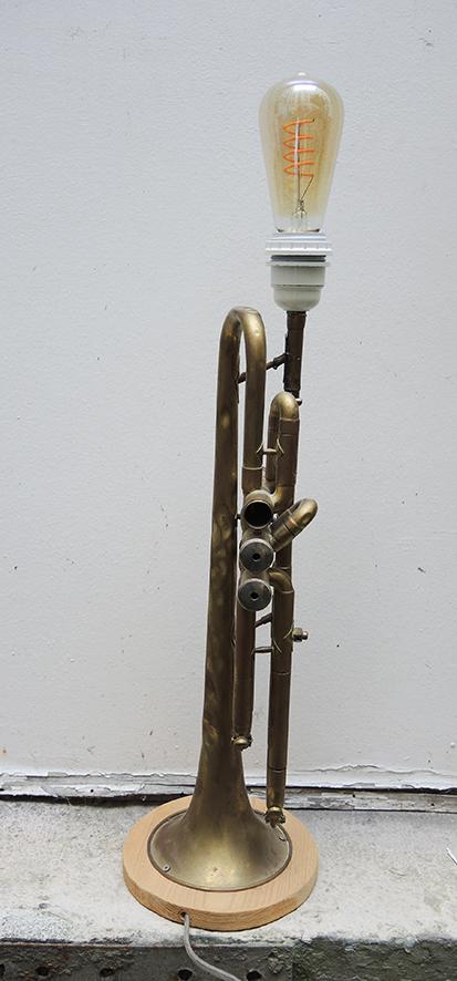 lampe-trompette-vintage-piece-unique