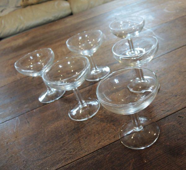 lot-de-6-anciennes-coupes-a-champagne-en-verre
