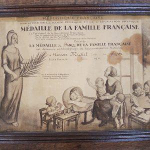 Certificat Vintage Encadré Médaille De La Famille Française 1936