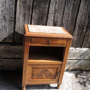 Table De Chevet Vintage En Bois Sculpté Et Marbre