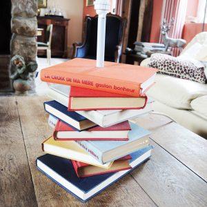 Pied De Lampe VIntage Pile De Livres Anciens