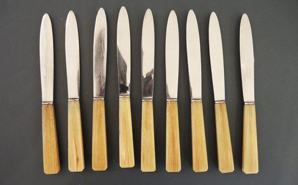 9-anciens-couteaux-a-dessert-inox-et-bakelite