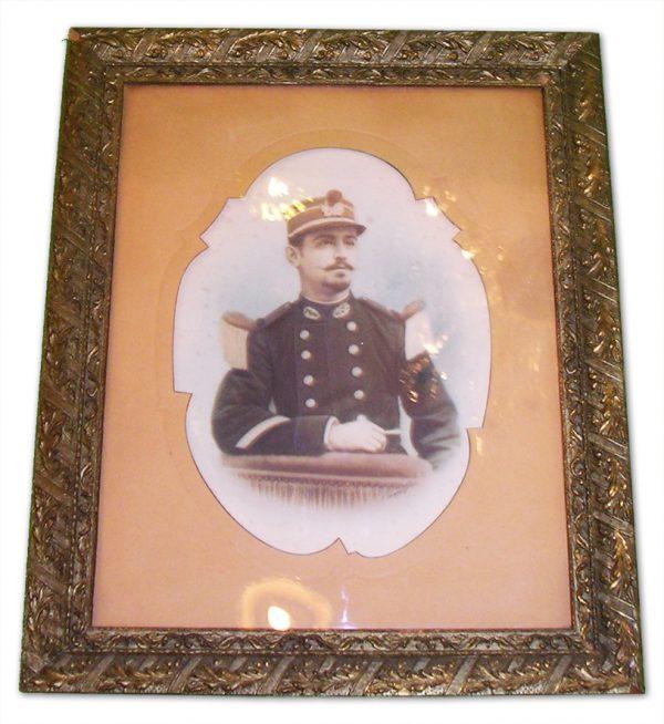 ancienne-photo-encadree-militaire