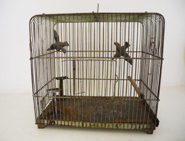 ancienne-cage-doiseau-verdigris