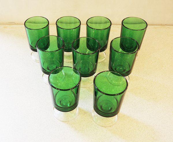 lot-de-verre-a-liqueur-vert-vintage