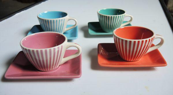 4-anciennes-tasses-a-cafe-lbvyr-yves-rocher