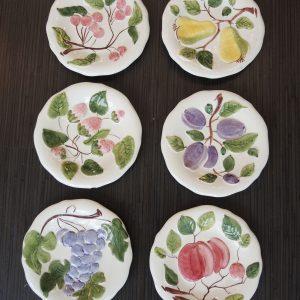 Assiettes À Desserts Vintage En Barbotine