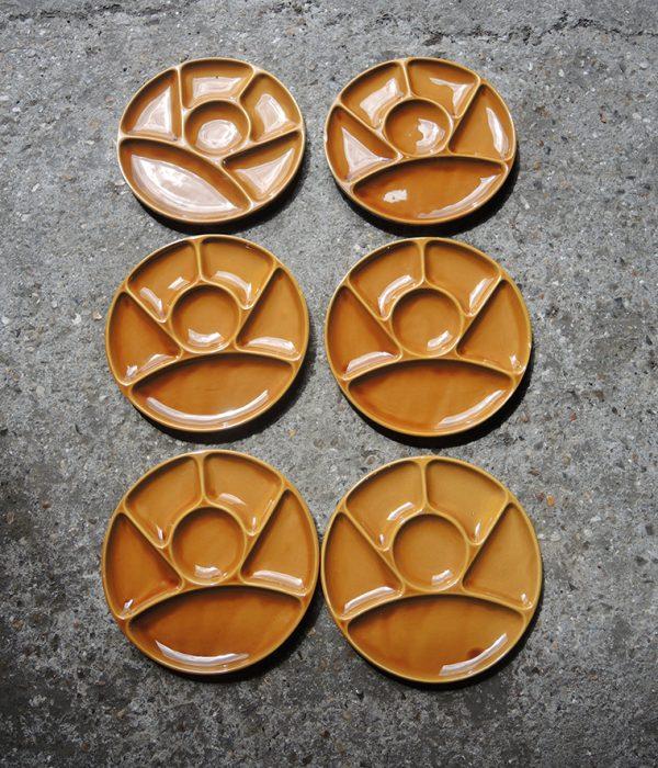 6-anciennes-assiettes-a-fondue-en-faience-de-gien