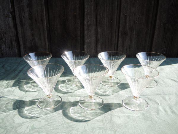 7-anciennes-coupes-evasees-en-verre