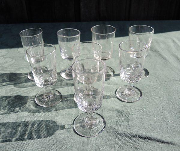 8-anciens-verres-a-digestif-souffle-bouche