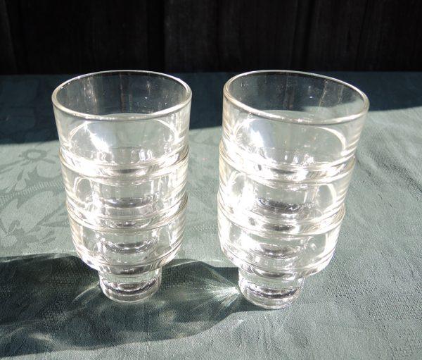 6-petits-verres-anciens-empilables
