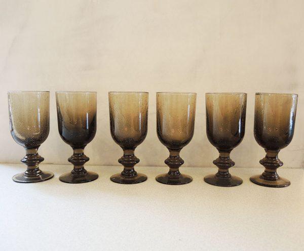 6-anciens-verres-a-pied-en-verre-bulle-fume