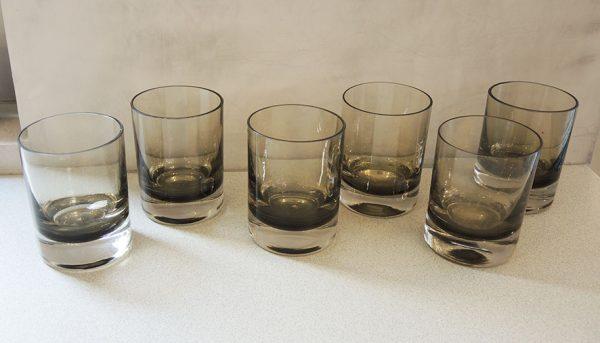 6-anciens-verres-a-whisky-en-verre-fume
