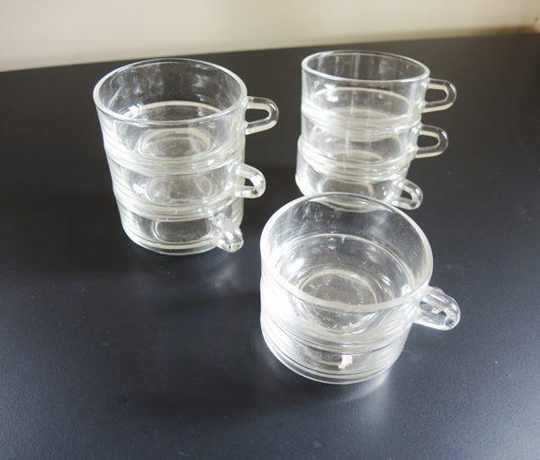 8-anciennes-tasses-a-cafe-empilables-duralex
