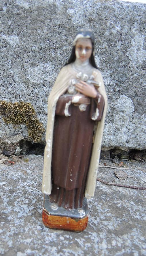 ancienne-statue-religieuse-en-ceramique-therese-de-lisieux
