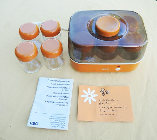 ancienne-yaourtiere-bbc-10-pots-annees-70