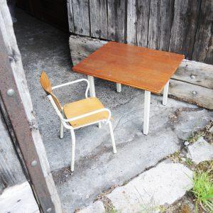 Table Et Chaise De Maternelle Vintage En Bois Et Métal