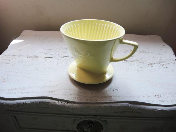 ancien-porte-filtre-a-cafe-en-ceramique-melita-102