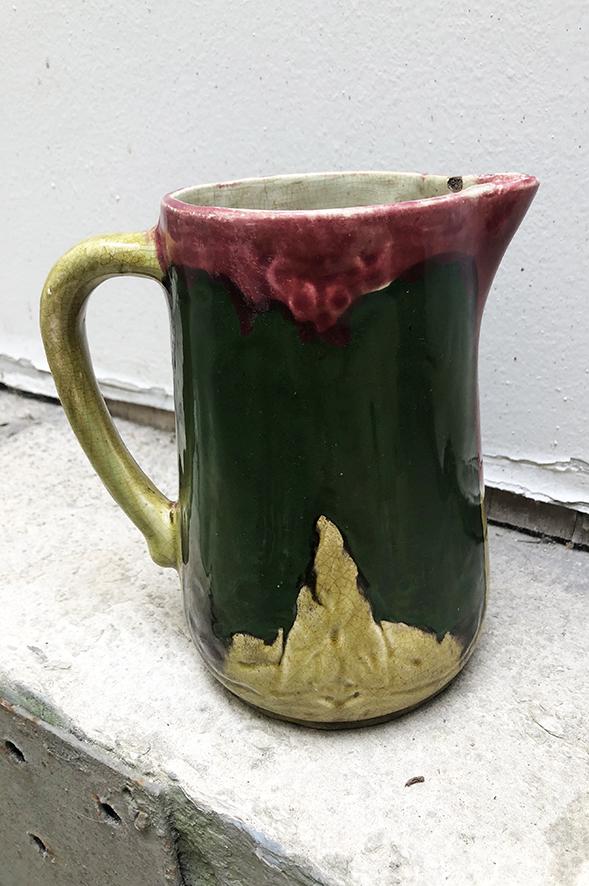 ancien-pichet-en-ceramique-style-vallauris